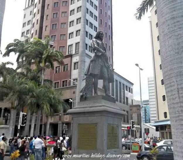 Statue of Mahé de La Bourdonnais, Mauritius